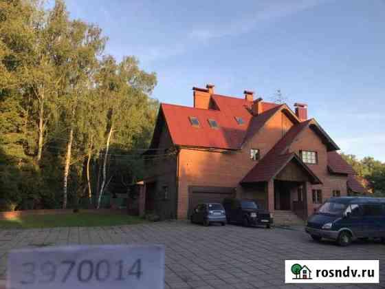 Дом 699 м² на участке 69 сот. Троицк