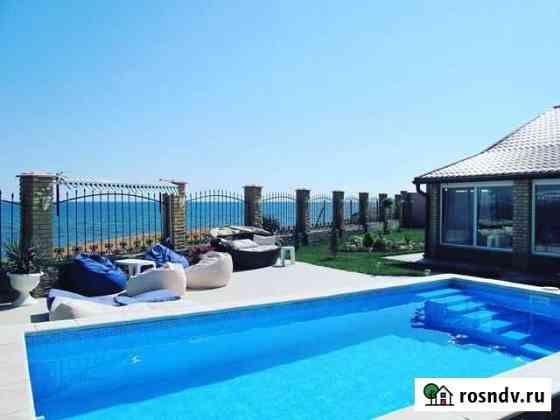 Дом 220 м² на участке 10 сот. Черноморское