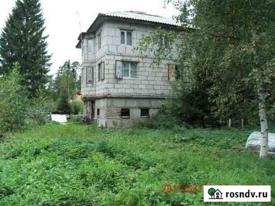 Дом 210 м² на участке 12 сот. Рощино