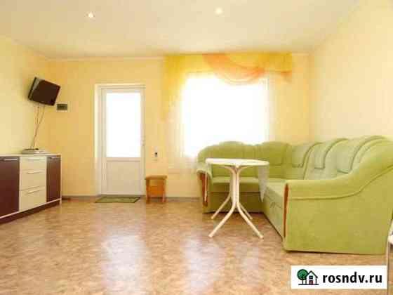 Комната 15 м² в 6-ком. кв., 2/4 эт. Морское