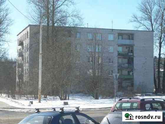 Комната 14.2 м² в 5-ком. кв., 2/4 эт. Гатчина