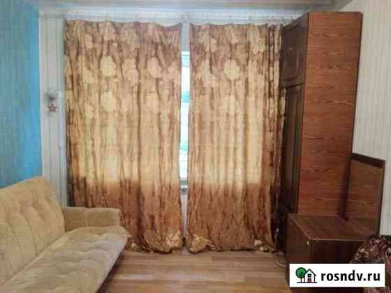 Комната 13 м² в 5-ком. кв., 1/3 эт. Калининград