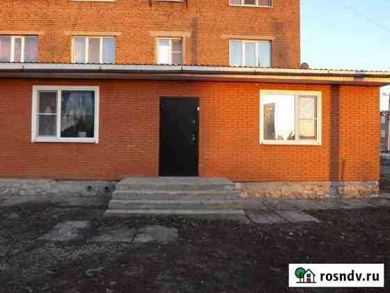 3-комнатная квартира, 94 м², 1/4 эт. Миллерово
