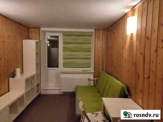 Комната 12 м² в 6-ком. кв., 4/14 эт. Санкт-Петербург