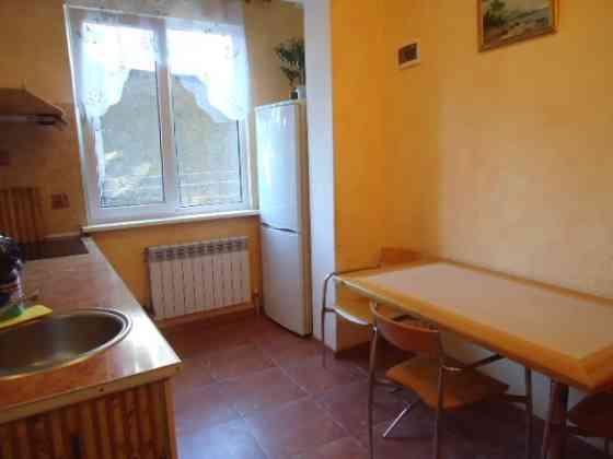 2-комнатная квартира, 56 м², 2/2 эт. Ялта