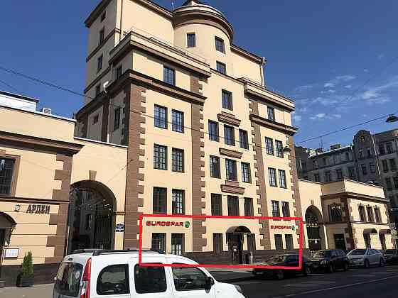 Аренда помещения на 1 этаже 1079 кв. м., м. Петроградская Санкт-Петербург