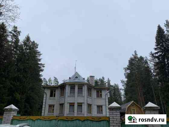 Дом 420 м² на участке 12 сот. Приморск
