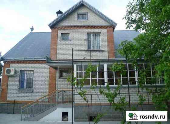 Комната 27 м² в 5-ком. кв., 2/2 эт. Горячеводский