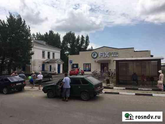 Центр станицы, на фасаде 18кв Новоминская